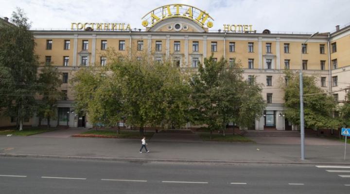 Заказ машины с водителем на свадьбу в москве